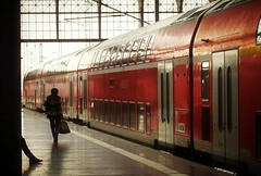 WaitingPlace-RedVersion (BphotoR) Tags: light woman station train germany deutschland waiting zug bahnhof passengers railwaystation hauptbahnhof reisende supershot abigfave canonpowershotg10 bphotor blinkagain