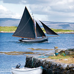"Galway Hooker in Roundstone Bay <a style=""margin-left:10px; font-size:0.8em;"" href=""http://www.flickr.com/photos/89335711@N00/8594913721/"" target=""_blank"">@flickr</a>"