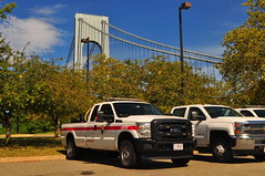 NPS Gateway National Recreation Area Fire and Rescue Engine 74-93 (Triborough) Tags: ny nyc newyork newyorkcity richmondcounty statenisland fortwadsworth park nationalpark nps npsfire nationalparkservice rescueandfire firetruck fireengine brushtruck brush engine engine7493 ford fseries f350 superduty