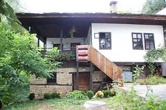 Bojentsi (Mysterious unknown) Tags: bojentsi bozhentsi bulgaria bulgarie tradition traditionnal village rserve architectural reserve