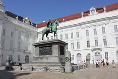 Pomnik Jzefa II (magro_kr) Tags: wiede wieden vienna wien austria sterreich oesterreich osterreich plac paac palac pomnik rzeba rzezba architektura square palace monument sculpture architecture