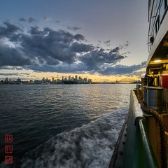 Sydney Harbour. (Bill Thoo) Tags: sydney sydneyharbour ferry nsw australia harbour square landscape city cityscape travel sydneyoprahouse sydneyharbourbridge sony a7rii samyang 14mm sunset ngc