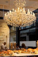 BOULANGERIE BRUXELLOISE (xavierturlot) Tags: patisserie bakery pastries bruxelles belgique belgium vitrine boulangerie chandelier