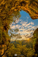 National Pass Portal.jpg (Gary Hayes) Tags: australia sunsrisesunset landscape cloudscapes newsouthwales bluemountains
