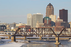 Des Moines,IA-1/5/2013 (Doug Lambert) Tags: railroad bridge skyline downtown iowa scrap railfan desmoines dismantled cgw chicagoandnorthwestern chicagogreatwestern