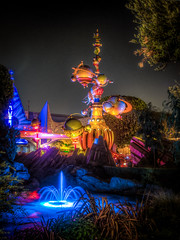 "Astro Orbiter - Tomorrow Land - Disneyland • <a style=""font-size:0.8em;"" href=""http://www.flickr.com/photos/85864407@N08/8368464049/"" target=""_blank"">View on Flickr</a>"