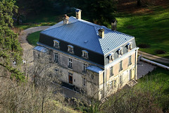 Chateau de la Cascade de Cerveyrieu (CGilles7) Tags: winter light brown france tree green castle nature rock stone river waterfall lumire pierre hiver vert rivire marron cascade arbre meters rocher 60 ain bugey mtres artemare sran cascadedecerveyrieu cerveyrieu gilles7 cerveyrieuwaterfall chteaudelacascade