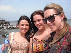Sistahs by the sea (The Travelin Chicks) Tags: city trip travel girls friends vacation smile sunglasses sisters boats chelsea boulevard culture shades adventure backpacking babes blonde tropical boardwalk chicas panama traveling amigas fishingboats backpacker brunettes travelers panamacity bestfriends centralamerica traveler kinsey backpackers besties hermanas traveladventure travelinchucks chelseaosborn kinseyosborn travelinchicks