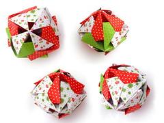 An Armadillo, Toshikazu Kawasaki, closed (Aneta_a) Tags: snow collage origami kawasaki modularorigami kusudama toshikazukawasaki octahedralsymmetry