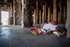 Relaxed! At Virupaksha Temple, Hampi. (arunchs) Tags: india karnataka hampi virupakshatemple