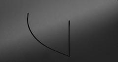[Nadel...] (trevide) Tags: schatten schwarz nadel weis schwarzweis minimalismus woche6 2013 kw6 eos550d 52wochen2013 wochenstart42 schattespiel