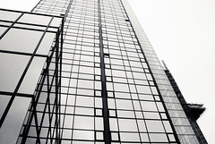 Tower of glass (DavidAndersson) Tags: windows building glass architecture modern gteborg hotel gothenburg towers tall gothia tamron18200f3563
