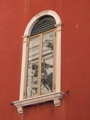 2003_09_15 VENEZIA (Tanguy Dezaunay  Dai Tong Qi) Tags: windows reflections riflessi reflets fentres finestre