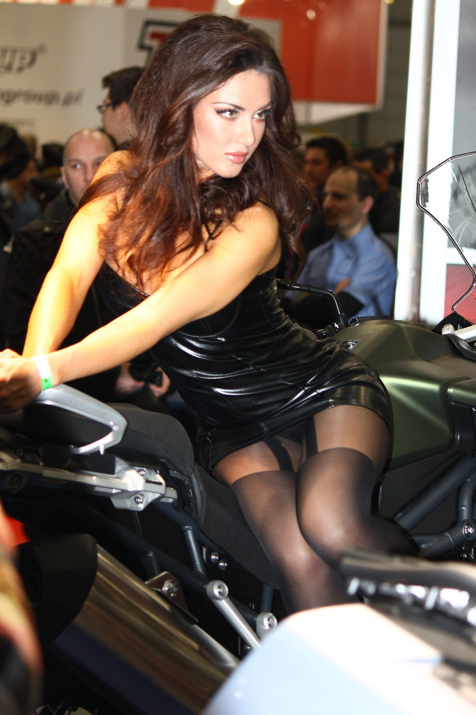 Love that upskirt pictures of motor show models such