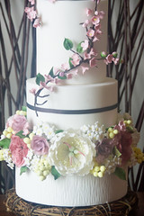 Wedding Cake - Cake International Entry (Sameen Ismail) Tags: wedding roses david leaves cake austin weddingcake blossoms peony twines sugarflowers cakeinternational