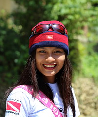 Liezel with beanie (Setiritter) Tags: girls portrait beach girl sunglasses philippines filipina beanie bonnet mtze sonnenbrille visayas negros philippinen occidental sipalay