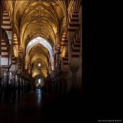 Fusin de arquitecturas.  EXPLORE #69 (19/03/2013) (Arquijcarlos) Tags: espaa luz andaluca arquitectura monumento interior catedral iglesia mezquita 69 crdoba arco