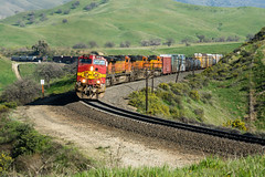 Tunnel 2 (Mathieu Tremblay) Tags: california santa railroad up burlington spring pacific union pass railway mojave fe northern printemps bnsf chemin fer subdivision
