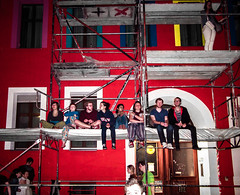 Karneval der Kulturen (joaobambu) Tags: carnival party people building berlin youth colorful scaffolding drinking diversity nighttime editorial hanging freetime cultures gebude hangingout lazer zossenerstrasse kdk karnevalderkulturen berliners kdk2013