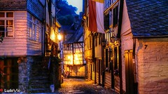 Monschau : Medieval's Street (Ld\/) Tags: monschau medieval street rue old town allemagne deutschland germany allemande ville trip city citytrip night nightcity light flickr