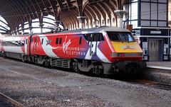 nyks - vtec 91101 york 05-9-16  JL (johnmightycat1) Tags: railway ecml virgin station yorkshire york