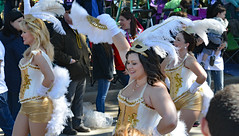 NOLA Showgirls (BKHagar *Kim*) Tags: bkhagar mardigras neworleans nola la louisiana parade party carnival celebration street napoleon route crowd people fun outdoor nolashowgirls girls feathers marching