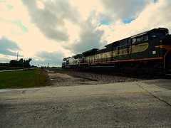 NS 4000 and Erie heritage unit at Roanoke Indiana (Matt Ditton) Tags: erie ns 4000 roanoke indiana heritage unit