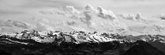 Alpenpanorama in Schwarz und Wei (Walls Fall Down) Tags: alpen berge alps mountains clouds wolken bw sw schweiz switzerland svizzera suisse sky himmel schwyz luzern