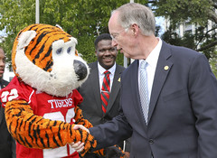 341A0082 (Governor Robert Bentley) Tags: montgomery alabama usa school spirit swac ncaa auburn aubie blaze dragon uab cocky gamecock jacksonville freddie the falcon montevallo north west troyuniversity aum university south uah state athens