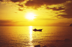 St Vincent Sunset (Mark.Noreiga) Tags: sunset boat birds stvincent buccamentbay beach ocean horizon landscape caribbean island islandlife sky