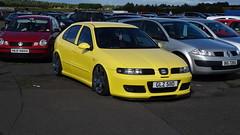 2000 Seat Leon Tdi with BMW Rims (>Tiarnn 21<) Tags: seat leon slammed lowered stance yellow bmw rims alloys glz5110