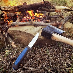 #morakniv @morakniv @moraknivtr #bushcraft #fire #campfire #outdoors #outdoor #hiking #hiker #walk #nature #mountains #hill @bushcraftturk #wild #wildlife #kamp #doğa #ateş #knife #knives #bicak #hatchet #axe #ax #balta #nacak