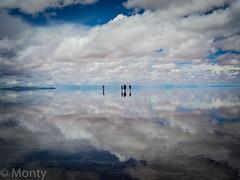 Salar de Uyuni 2 (El Monty) Tags: travel bw southamerica reflections scenery bolivia salardeuyuni lpsky