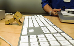 Can Robots Drool? (Mandasmac) Tags: toy robot keyboard applestore macmini geniusbar yotsuba danbo danboard
