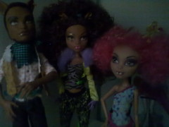 The Wolf family, now with Afros (Dundam) Tags: monster wolf afro afrohair clawd howleen clawdeen monsterhigh clawdeenwolf howleenwolf clawdwolf