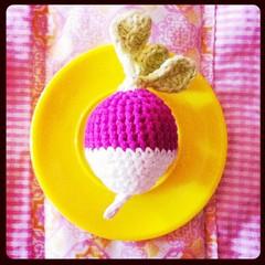 Rábano a crochet./ Crochet radish. (~ tilde ~) Tags: square toys diy crochet squareformat hudson amigurumi radish playfood rábano mypattern iphoneography crochetlove instagramapp uploaded:by=instagram