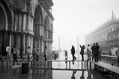 Piazza San Marco, Venezia, Jan. 2013 (Lyle Nash) Tags: venice blackandwhite italy black art blancoynegro film blanco monochrome analog 35mm blackwhite italia noir noiretblanc negro streetphotography naturallight summicron noctilux analogue schwarzweiss venezia weiss manualfocus schwarz bianconero italie biancoenero canonfx blackwhitephotos analoganalogue
