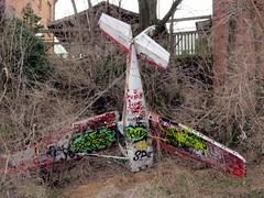 Headliners Louisville KY (frankieleon) Tags: graffiti interestingness interesting bestof aviation down cc creativecommons louisville popular wreckage faa planewreck headlinersmusichall gonedown frankieleon supportmusicians