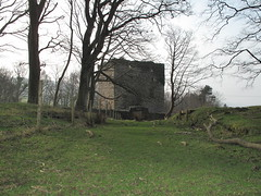 Fairlie Castle 2 (TACT_Yesterd@ys) Tags: tower castle heritage history ruin yesterdays tact ayrshire fairlie northayrshire fairliecastle northayrshirecouncil yesterdys theayrshirecommunitytrust