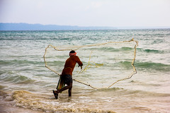 Fisherman on Havelock, Andaman Islands (marcusfornell) Tags: ocean india fish water fishing fisherman asia asien traditional indianocean indien havelock fishingnet southasia andamans andamanislands andamanandnicobar andamanen portblair südasien gulfofbengal