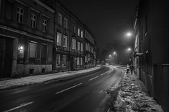 Tarnowskie Gry (nightmareck) Tags: tarnowskiegry lskie grnylsk silesia polska poland europa europe fotografianocna bezstatywu night handheld winter zima bw blackandwhite czarnobiay fujifilm fuji xe1 apsc xtrans xmount mirrorless bezlusterkowiec xf18mm xf18mmf20r fujinon pancakelens