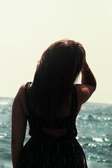 Por un momento, frnate y mira lo que tienes delante de tus ojos. (lauraabreualonso) Tags: socorro tenerife ocean portrait photography beautiful blue black hair sun dress light love