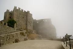 Sicilia - Erice (happylittlecaravan) Tags: sicilia trapani borgo medievale erice nebbia sicily borgomedievale castello castle fog happylittlecaravan