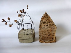 two homes (Ines Seidel) Tags: home houses objects wire zuhause haus huser wachsen schrfit text grow plant leaves bltter teabag teebeutel