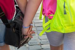Mutter und Tochter (JörnLenhardt) Tags: mutter tochter street