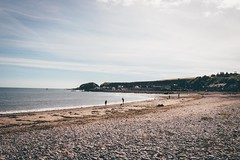 Behold the Great Outdoors // (Lim Amira) Tags: stonehaven aberdeen aberdeenshire scotland uk landscape adobelightroom postthepeople beach people sun colours serene calm lush warmth warm canon canon750d