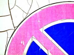 Non c'è niente da vedere (SilViolence) Tags: nikoncoolpixp50 coolpixp50 coolpix nikon p50 pink blue rosa blu divieto saviore bs lombardia astrattismo astratto abstract abstracto abstrait abstrakte abstrakti abstrato abstrata abstrakt absztrakt apstraktna cartello sign urban urbano urbanjungle street strada streetsign roadsign cretto detail dettaglio decay parte part particolare savioredelladamello adamello perstrada linee lines line curva città curve curves paese italy italia inthecity dont stay minimal minimale lombardy αφηρημένη metal metallo 2d superficie surface colori city colors colours colorfullaward rovinato bianco white