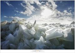 Kuiend ijs (5D043552) (nandOOnline) Tags: winter berg nederland natuur vuurtoren marken landschap noordholland ijselmeer ijs vorst markermeer vriezen ijsschotsen kruiendijs dooien paardvanmarken
