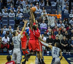 2013 Hoyas-Red Storm-92 (maskirovka77) Tags: stjohns georgetown ncaa redstorm collegebasketball hoyas saintjohns 2013 verizoncenter 2february hoyaswin