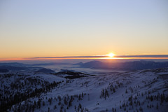 Sonnenaufgang beim Early Morning Skiing vor dem Slow Food Vortrag im Bergrestaurant Kaiserburg